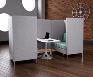 A WIDE RANGE OF DESK OFFERING A PRACTICAL SOLUTION FOR ANY OFFICE SPACE